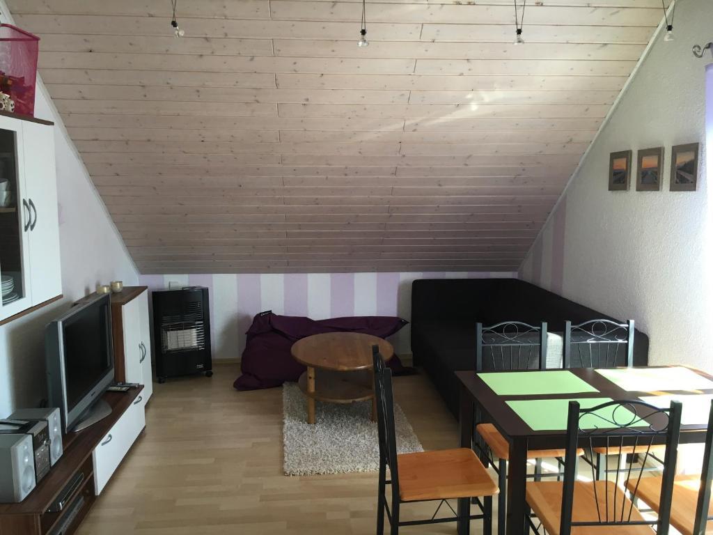 Apartment Ferienwohnung Waldblick, Großkötz, Germany - Booking.com