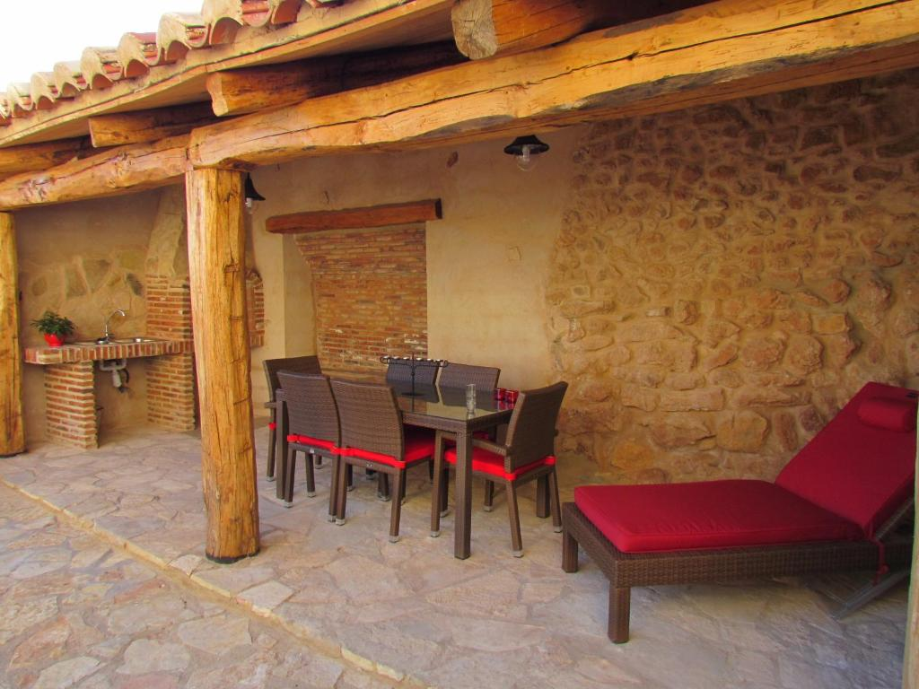 Casa Rural El Ventanico, Fuentes Calientes, Spain - Booking.com