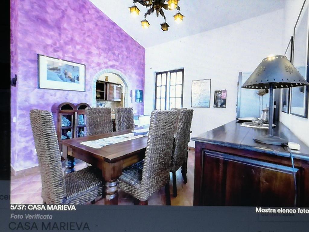 A kitchen or kitchenette at Casa Marieva