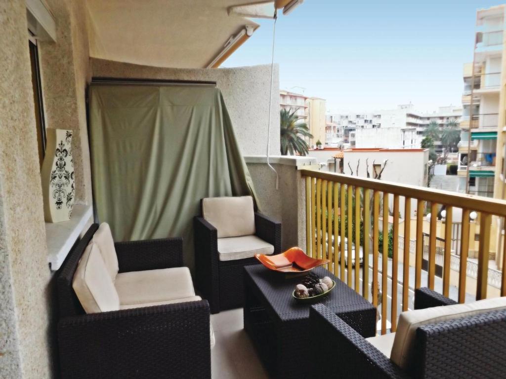 Two Bedroom Apartment In La Pineda Salou Spain Booking Com