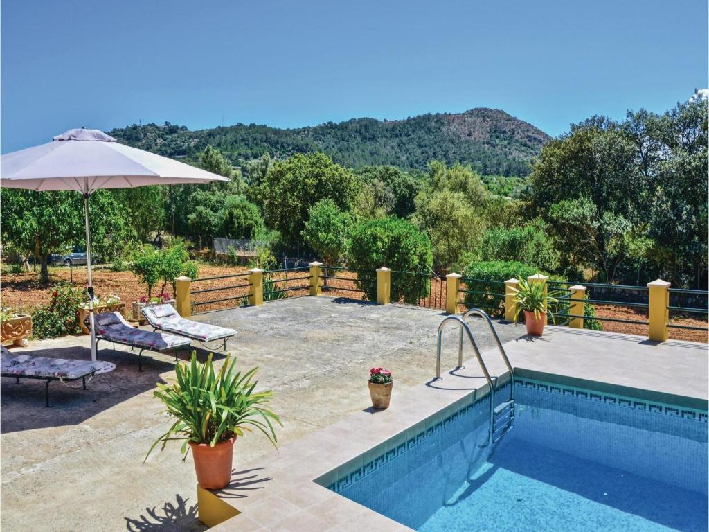 Holiday home inca 38 with outdoor swimmingpool spanien for Swimmingpool angebote