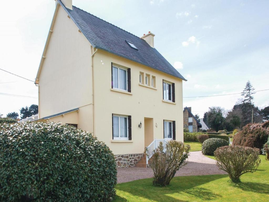Apartments In Pommerit-jaudy Brittany