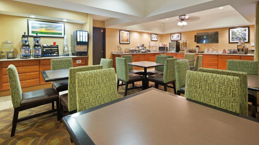 Best Western Mishawaka Inn South Bend In Bookingcom