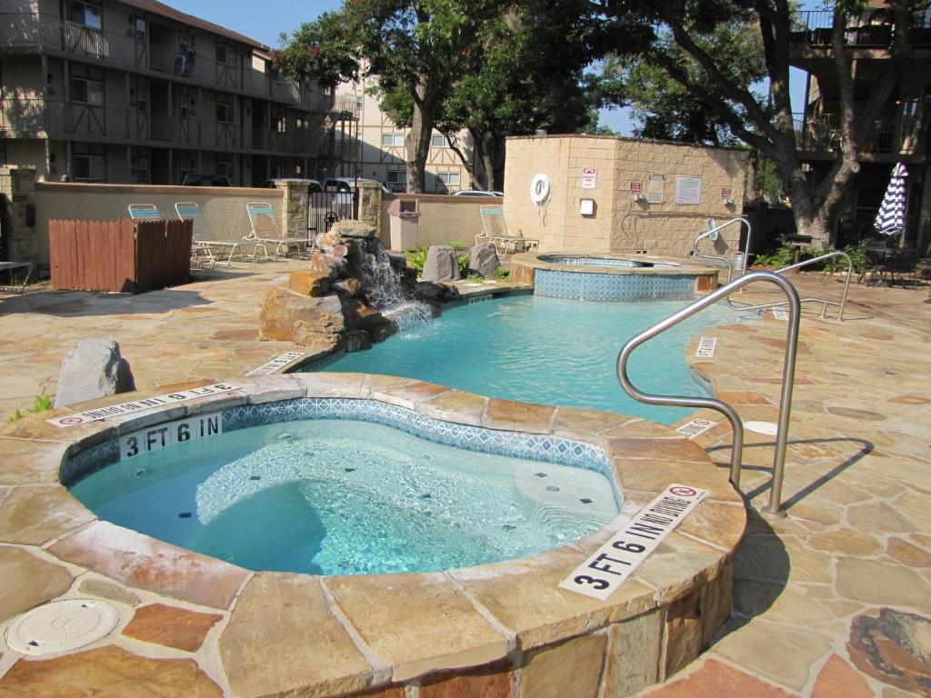 Relaxing Riverview Condo New Braunfels Tx Booking Com