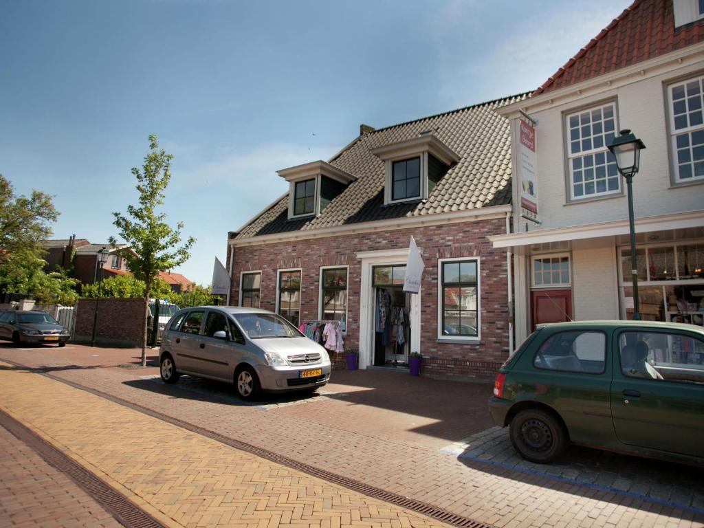 Holiday Home De Eendracht Tholen Netherlands Bookingcom