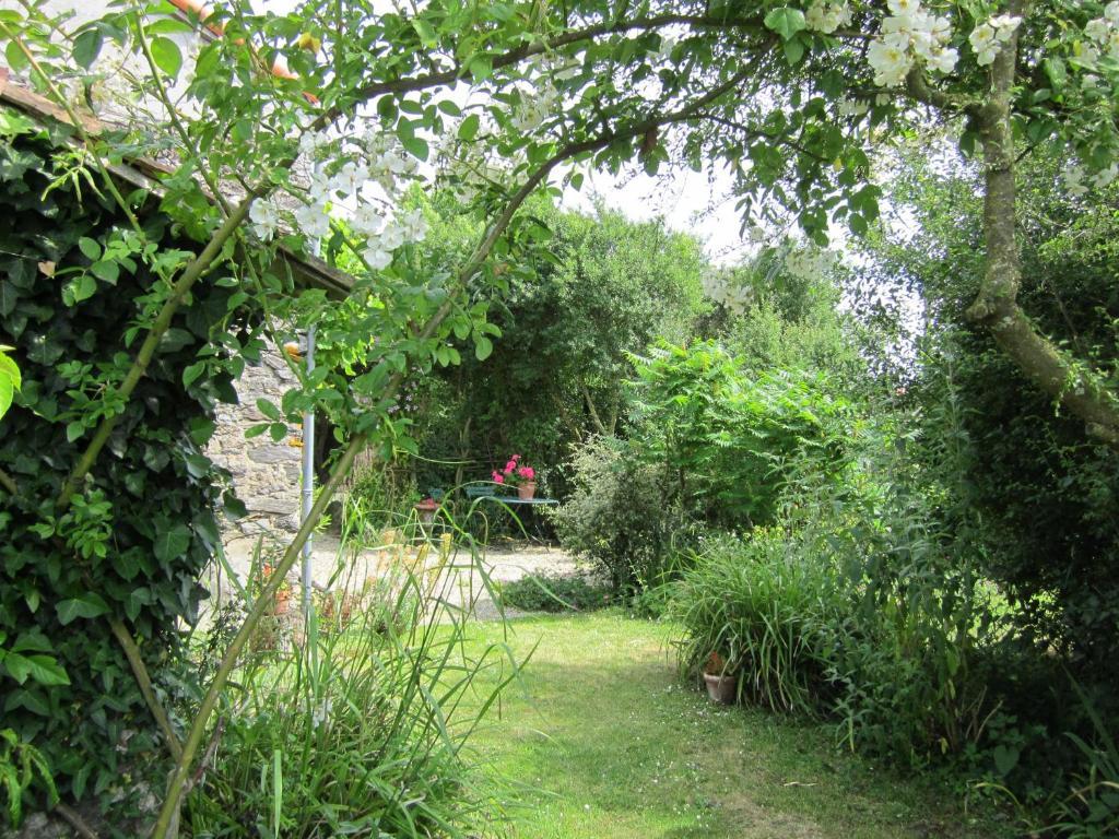 Vacation home la maison du jardin gonnord france for Jardin tecina booking