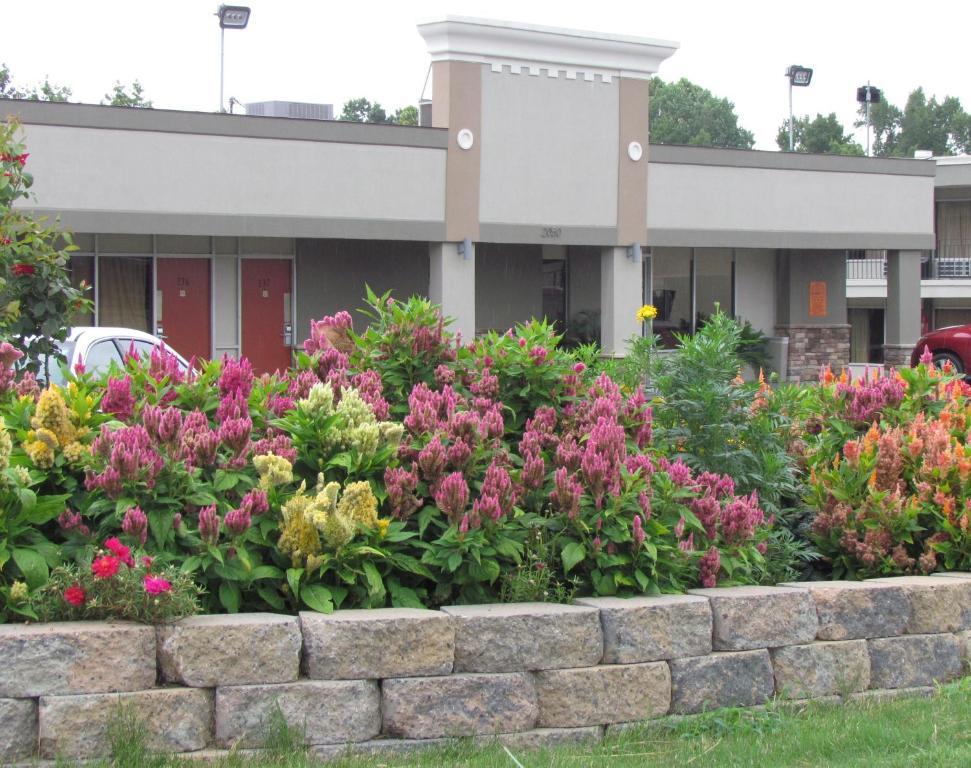 Red Carpet Inn - Augusta, GA - Booking.com