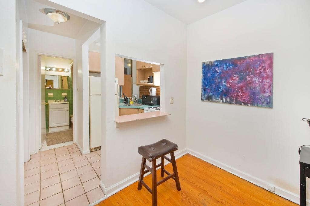 Upper East One Bedroom Apartment, New York City, NY - Booking.com