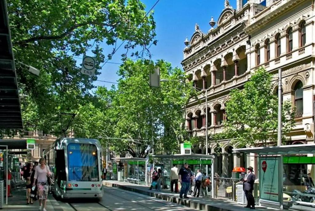 Collins Street Apartments Melbourne Australia Booking Com