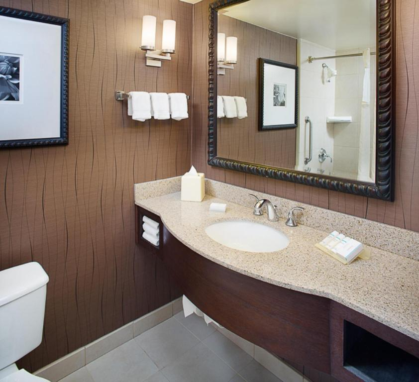 gallery image of this property - Hilton Garden Inn Albany Airport