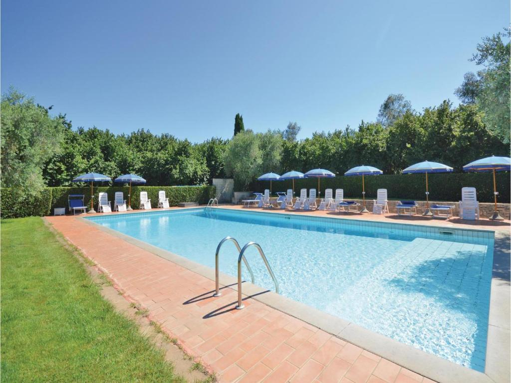 Nearby hotel : Casciano 11