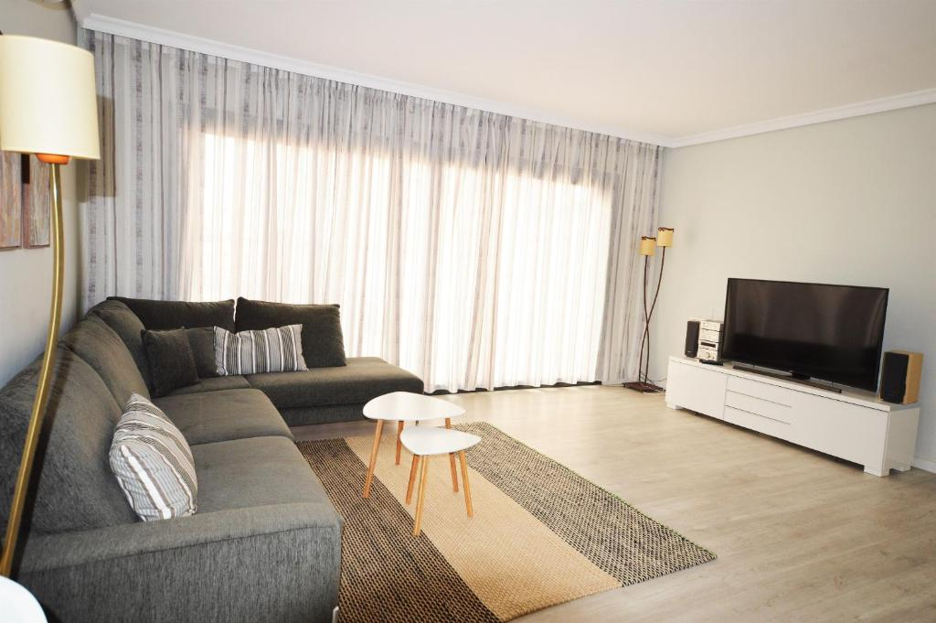 Holiday home House of Happiness and Comfort, Adeje, Spain - Booking.com