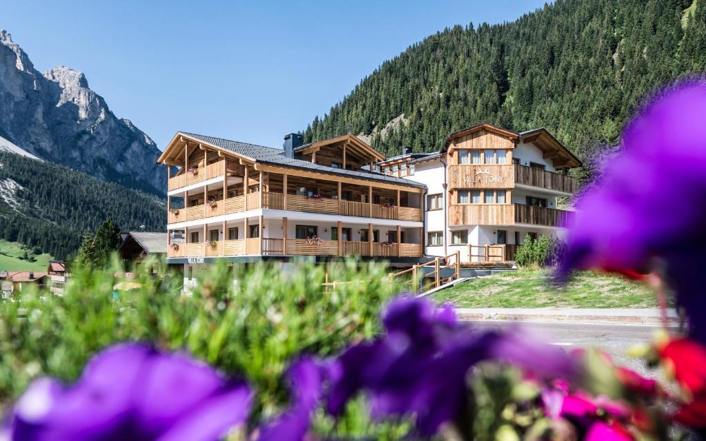 Villa Tony - Small Romantic Hotel, Corvara in Badia – Prezzi ...