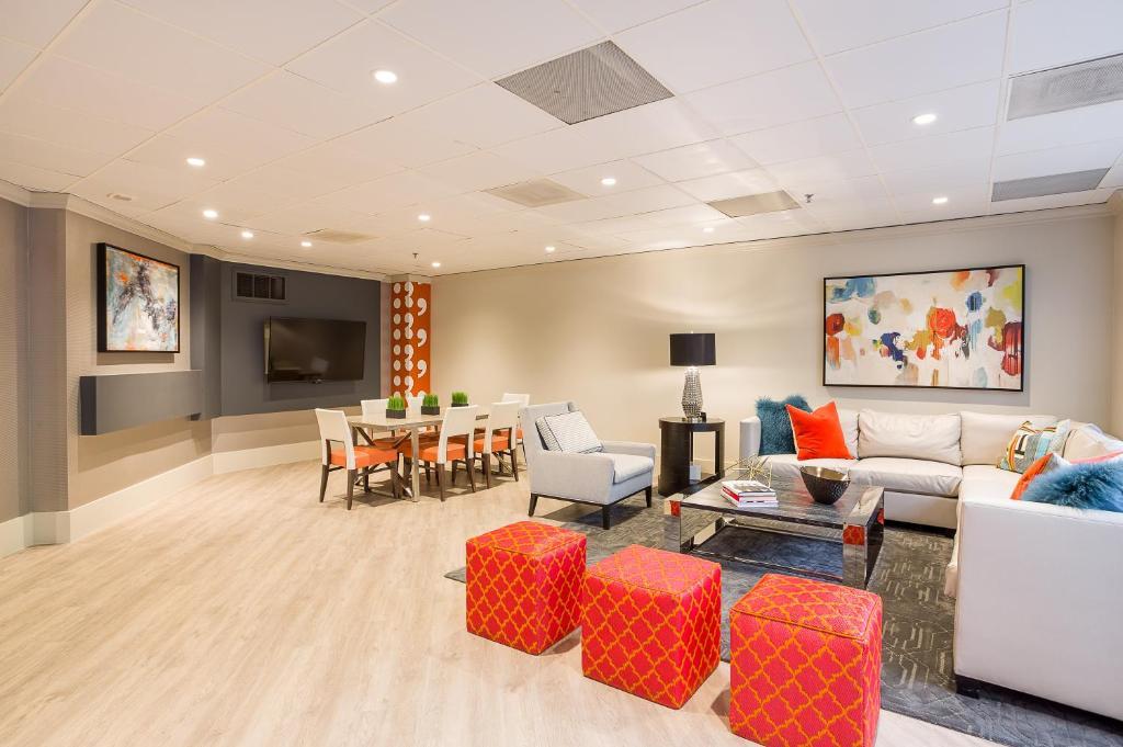 Condo Hotel Oakwood Crystal City Arlington VA Booking Fascinating 2 Bedroom Apartments In Arlington Va Exterior Interior
