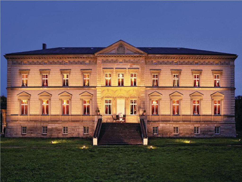 Hotels in der Nähe : Apartment Groß Krankow Schloss Tressow