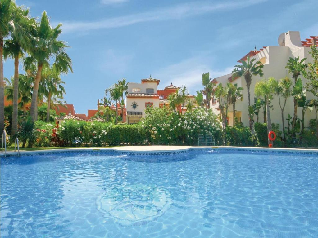 Three-Bedroom Holiday Home in Estepona, Estepona – Precios ...
