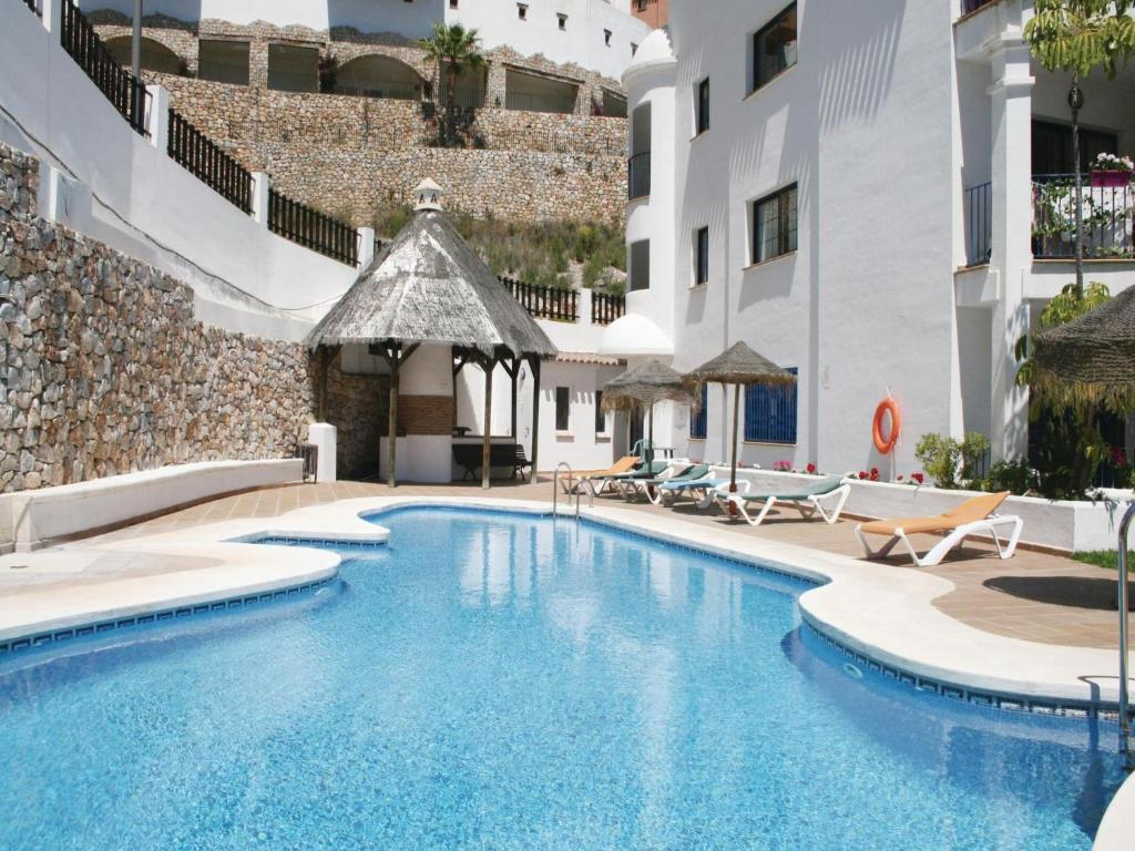 Two bedroom apartment la herradura almu ecar with mountain view 09 spain for Mountain view 2 bedroom apartments