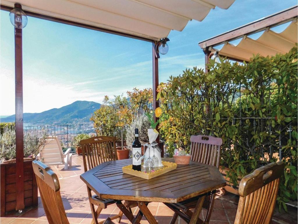 Vacation Home La Terrazza sul golfo, Chiappa, Italy - Booking.com