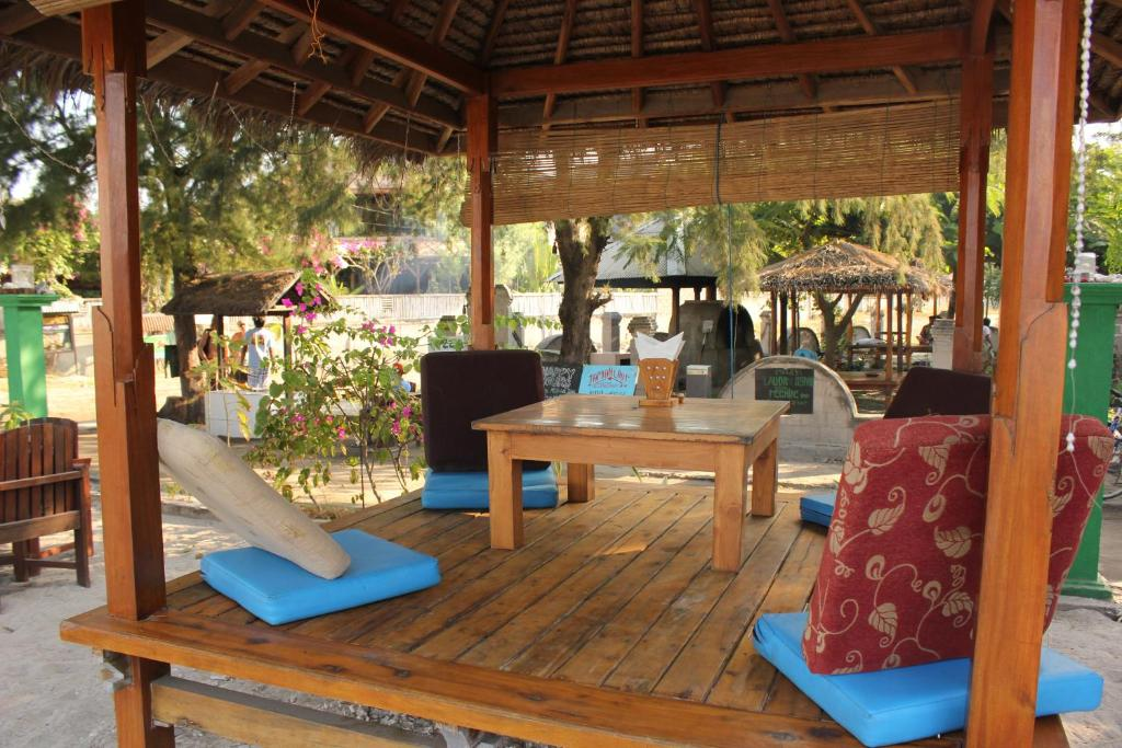 Ozzy Cottages And Bungalows Gili Part - 36: Booking.com