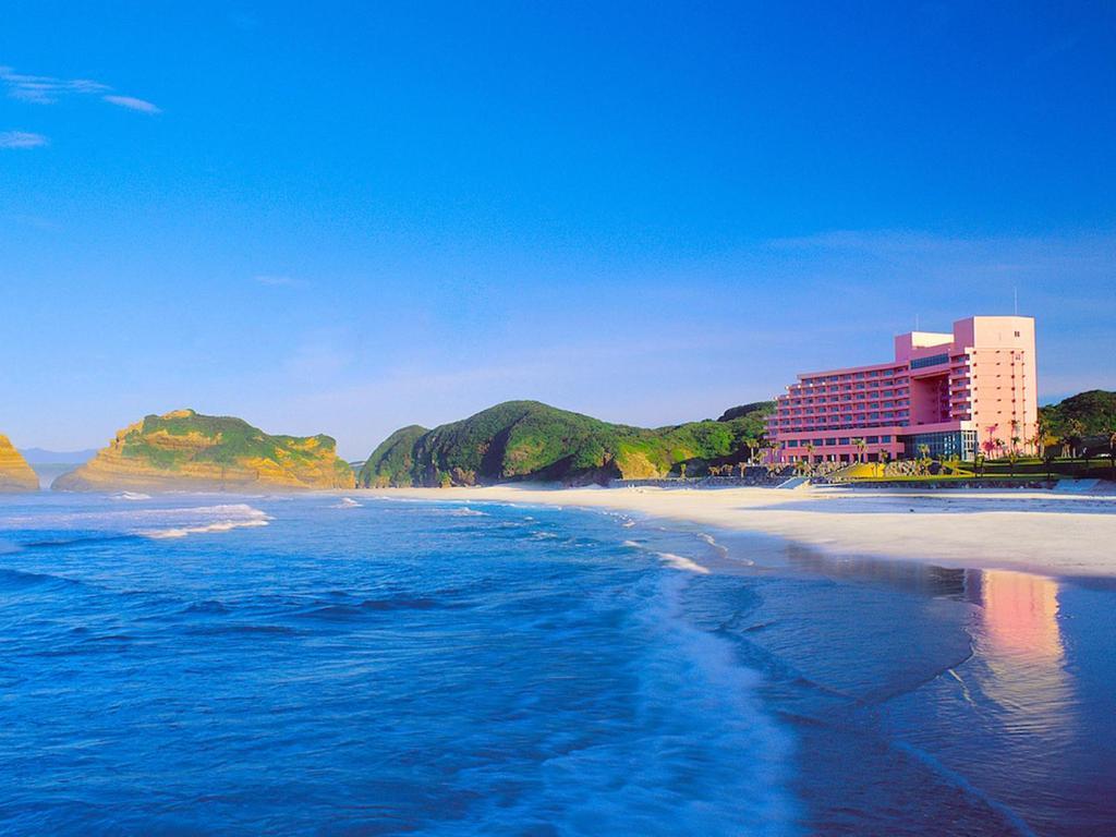 ポイント1.海の目の前!一日中海を楽しめる立地