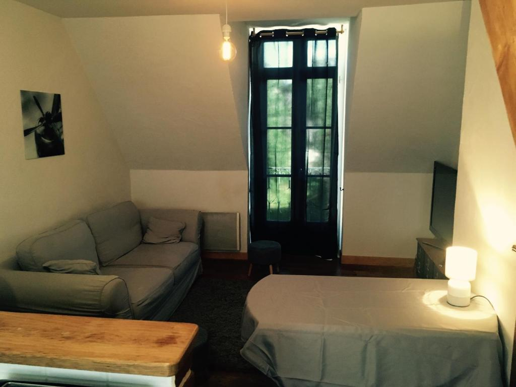 Apartments In Rocherolle Limousin