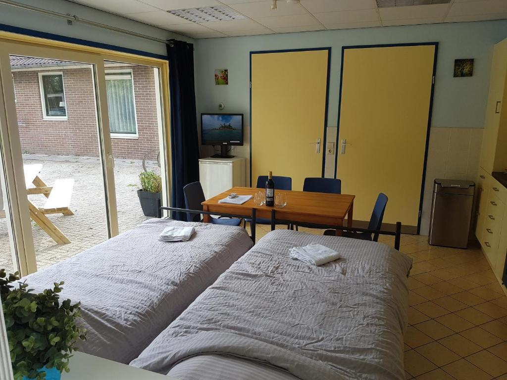 Chinese Houten Bed : Guest house ons hoekje houten netherlands booking