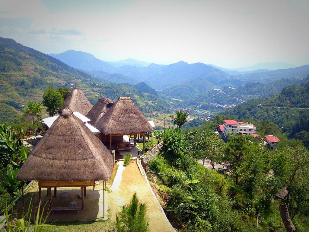 Общий вид на горы или вид на горы из мини-гостиницы