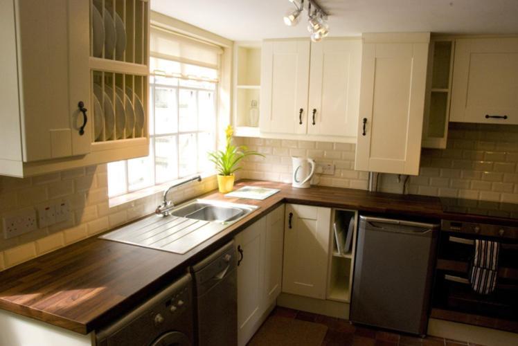 . Slieve Donard Cottage  Newcastle  UK   Booking com