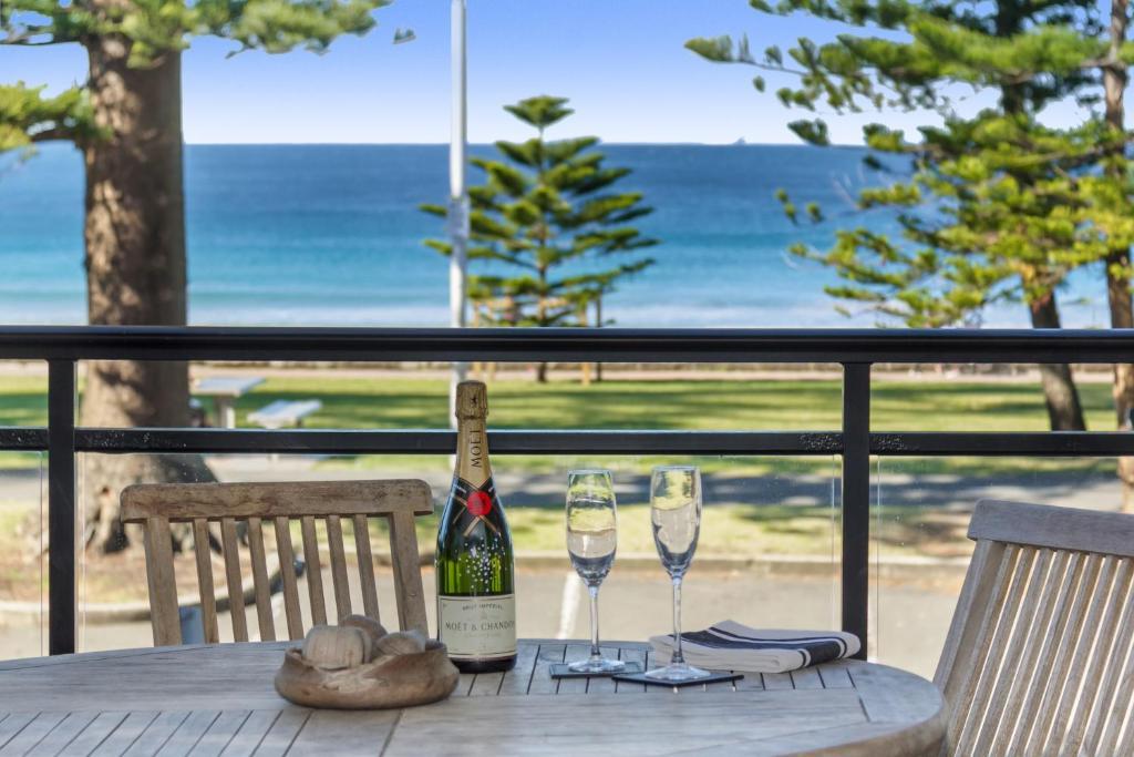 Beachfront on Golden Mile Sydney Australia 3