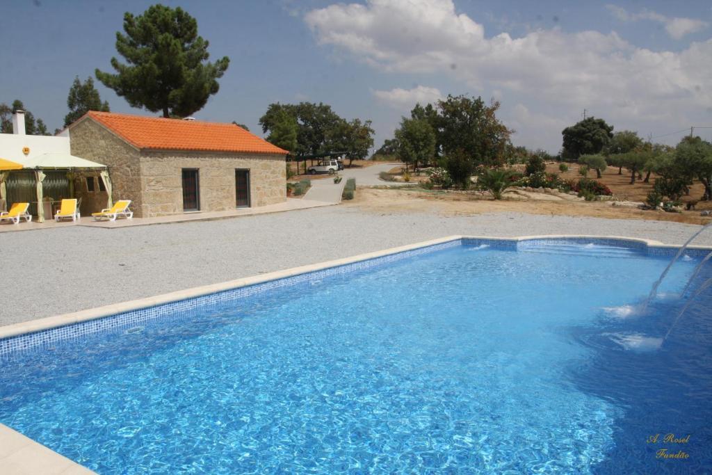 A piscina em ou perto de Casa das Magnolias