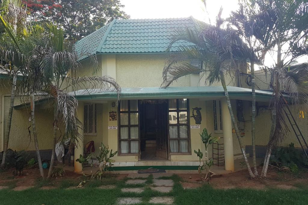 Bungalow with a pool in kune khandala by guesthouser 60524 india gallery image of this property publicscrutiny Choice Image
