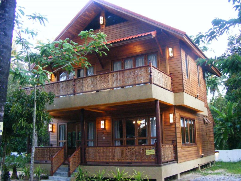 Baan nana villa mae nam thailand for Home designs thailand