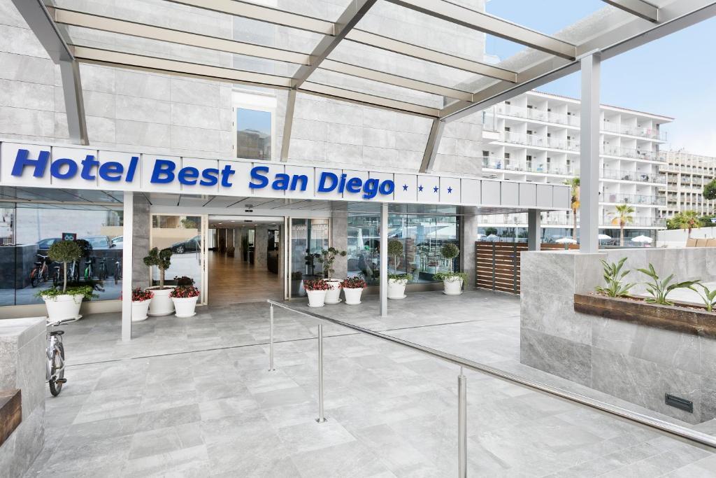 Великолепный отель 4* для активного и молодежного отдыха в Испании! Салоу!