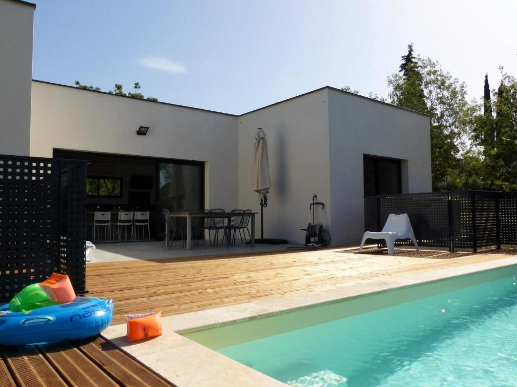 Villa Piscine Sud France Verzeille France Booking Com