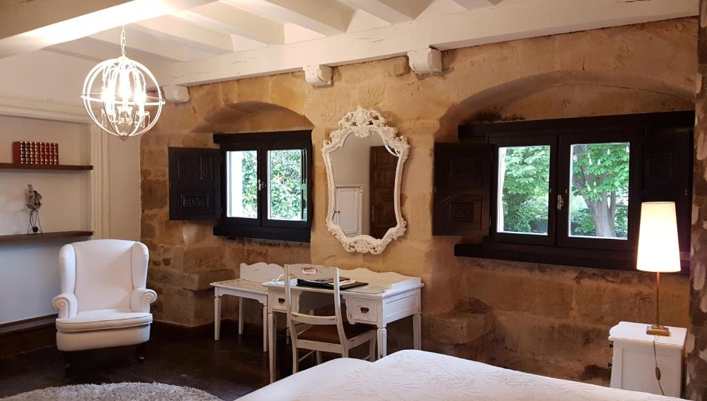 boutique hotels in santillana del mar  7