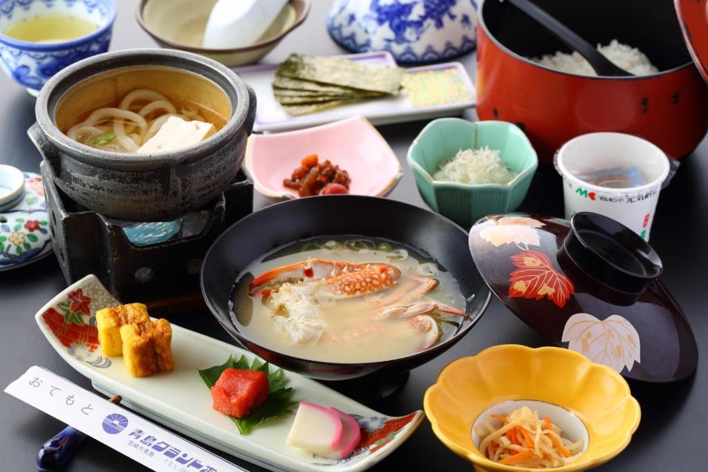 ポイント3.宮崎の郷土料理を満喫!自慢の夕食