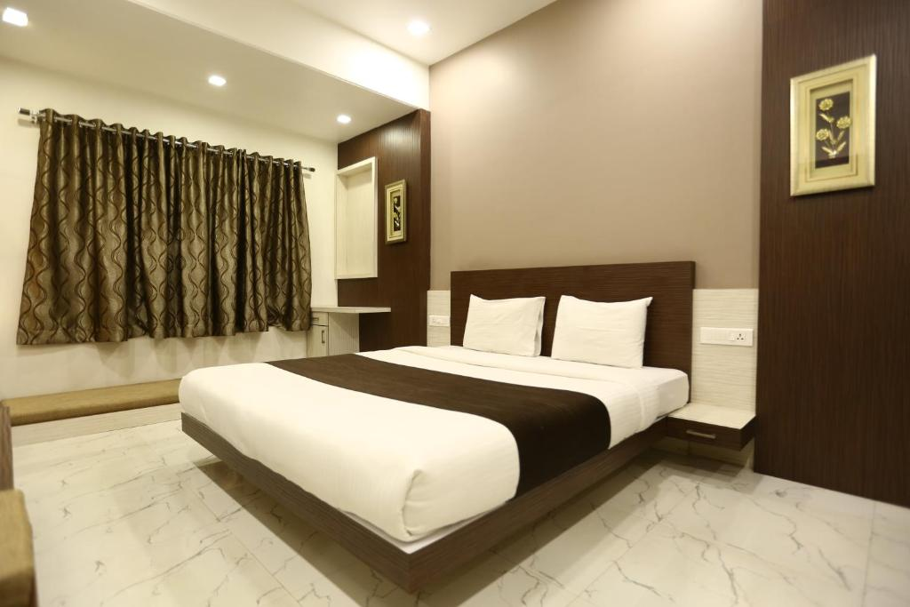 hotel madhuri executive kolhapur india booking com rh booking com
