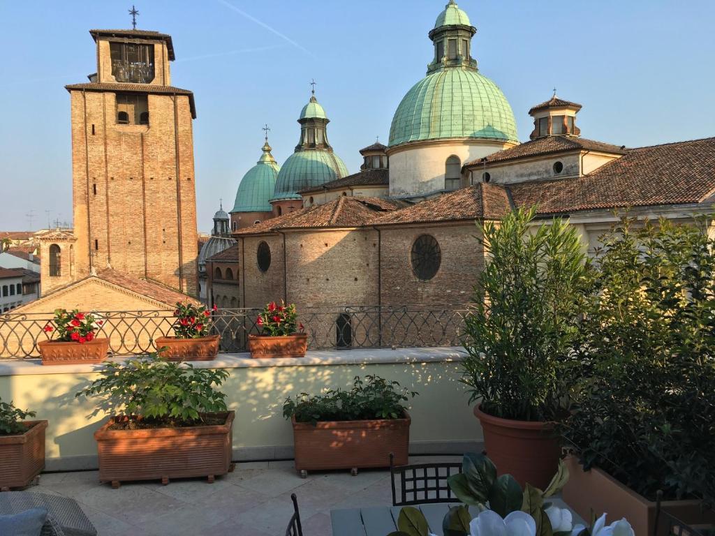 Tavoli Da Giardino Treviso.La Loggia Al Duomo Treviso Treviso Prezzi Aggiornati Per Il 2019