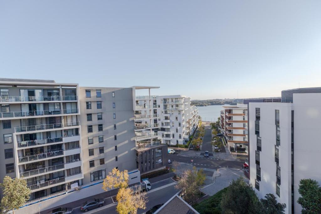 Redstar Serviced Apartment - Rhodes, Sydney, Australia ...