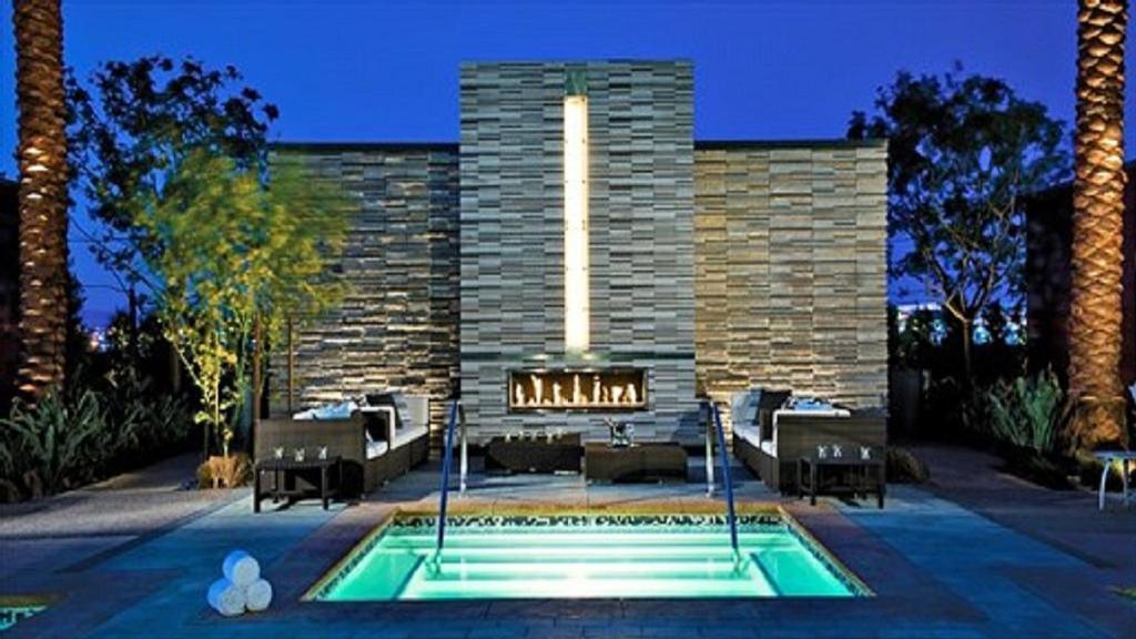 Condo Hotel Beautiful 51st Floor With Balcony Mountain Views Las Vegas Nv Booking