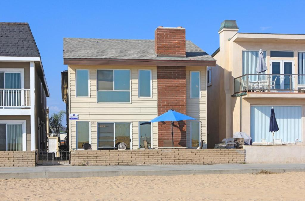 Apartments In Crystal Cove California