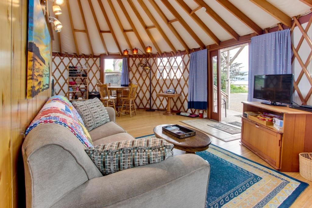 Vacation Home Yurt on the Bay, Bay City, OR - Booking.com on