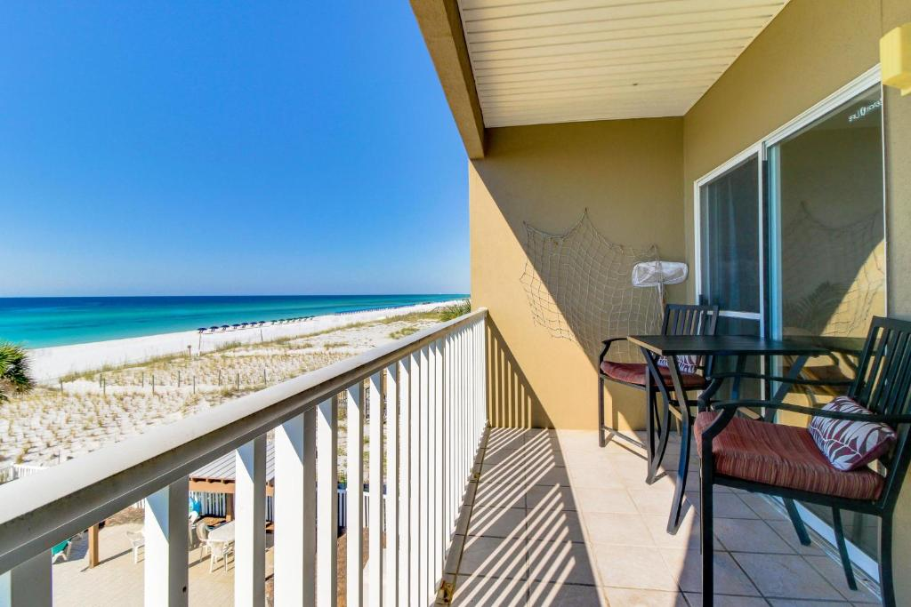Vacation home veranda 202 fort walton beach fl booking gallery image of this property solutioingenieria Gallery