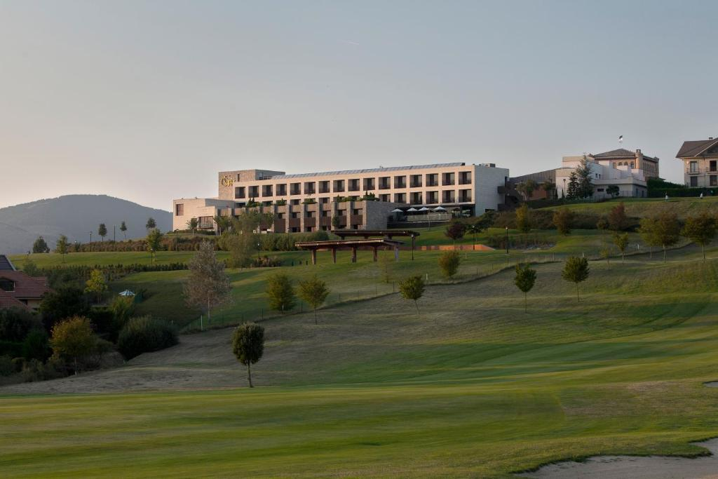 Hotel Castillo de Gorraiz Golf & Spa 2