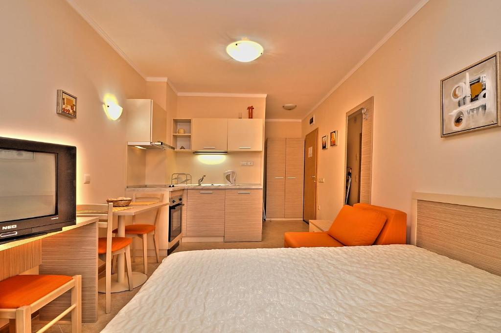 pmg royal sun apartments sunny beach bulgaria bookingcom