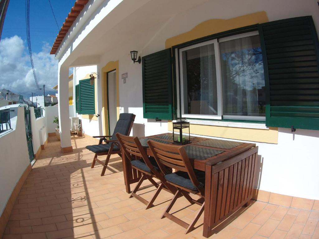 A porch or other outdoor area at Villa Figueira