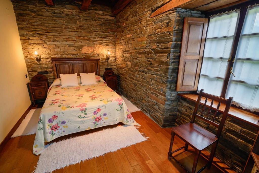 Apartments In Pacios De Rebolín Galicia
