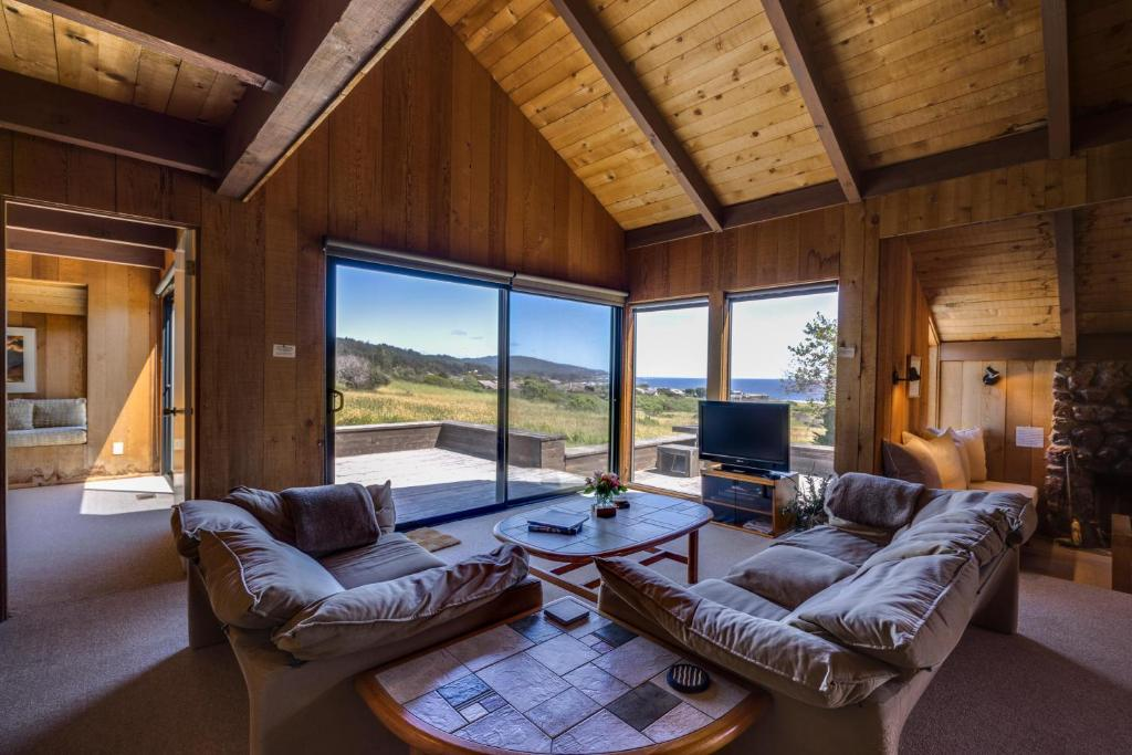 Tiny Home Designs: Vacation Home The Glass House, Sea Ranch, CA