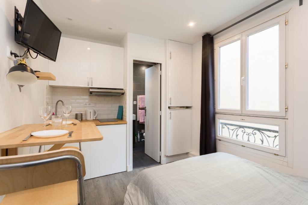 Apartment Studette de charme neuve proche invalides (D02), Paris ...