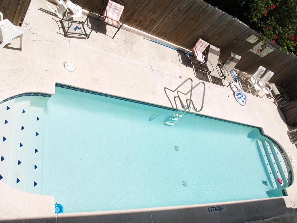 A view of the pool at Beverly Condos #0003 or nearby